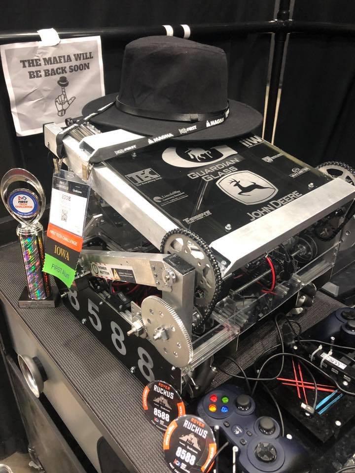 Image of Robot the high school team competed with at worlds
