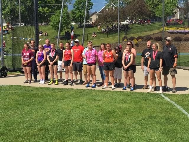 Group Photo of Saber Track Students at State Meet